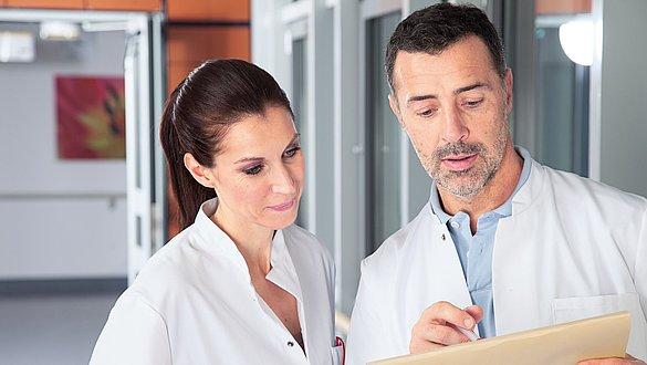 Compressão clínica da medi - Compressão clínica da medi